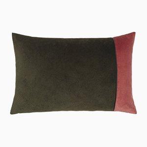 Edge Kissen aus armeegrüner und rosafarbener Kordel von Louise Roe