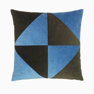 Coussin en Velours Côtelé Triangle Vert Militaire et Bleu Clair par Louise Roe