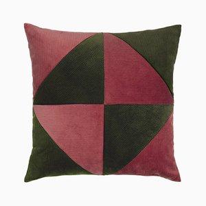 Cuscino in velluto a coste verde militare e rosa di Louise Roe