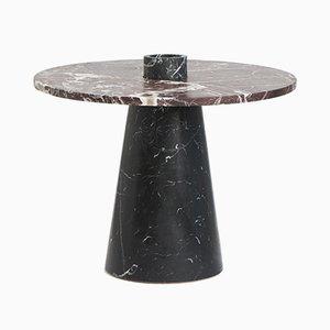 Tavolo Inside Out con cesto da frutta, portacandela e vaso di Karen Chekerdjian per Mmairo