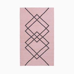 Pearl Rose Borg 01 Teppich von Louise Roe