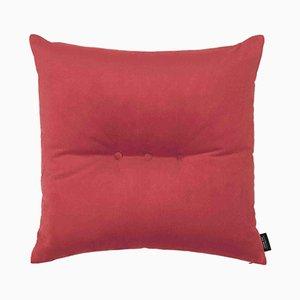 Cuscino 3 Dots in velluto rosso corallo di Louise Roe