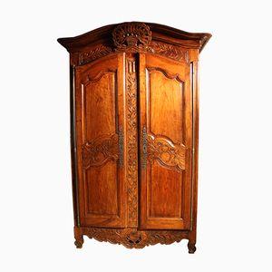 Antiker provenzalischer Kleiderschrank aus Nussholz