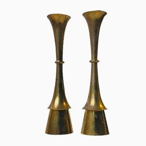 Candelabros daneses Mid-Century de latón de Hyslop, años 60. Juego de 2