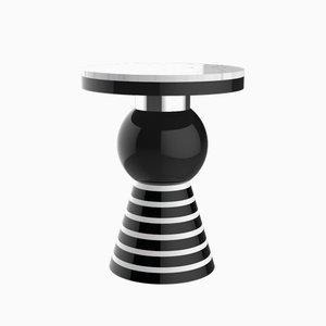 Tavolino Kaya Variation 2 con fascia argentata e ripiano bianco di CASALTO