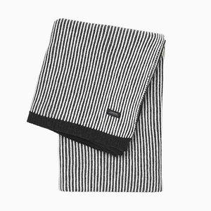 Coperta Sunday a strisce nere e bianche di Louise Roe