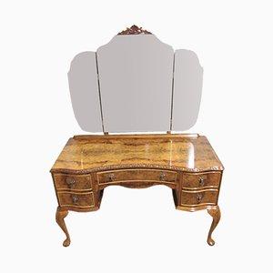 Toeletta Queen Anne in radica di noce con tre specchi