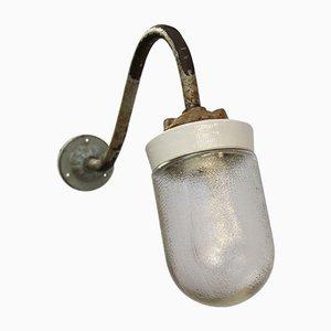 Weiße Vintage Porzellanwandlampe aus Milchglas