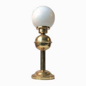Lámpara de mesa Mid-Century de latón y vidrio opalino de ABO, años 70