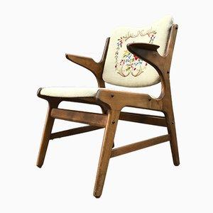 Sedia in quercia ricamata di A. Hovmand Olsen per AR Klingeberg & Søn, anni '50