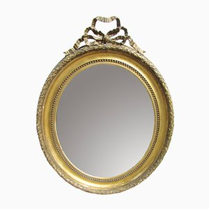 Großer ovaler antiker französischer Spiegel mit goldenem Rahmen