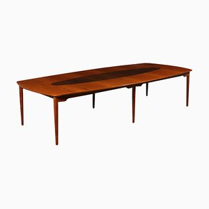 Tavolo grande impiallacciato in teak, anni '60
