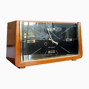 Reloj de mesa soviético vintage de madera de Jantar, años 60