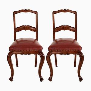 Neoklassizistische Beistellstühle aus handgeschnitztem Nussholz & Sitz aus Leder, 1920er, 2er Set