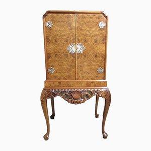 Mueble para bebidas o de cóctel estilo Queen Anne de madera nudosa de nogal, años 20