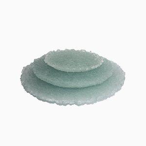 Juego de platos de vidrio verde reciclado de Sophie Rowley