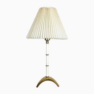 Lámpara de mesa trípode estilo Hollywood Regency de latón, años 60