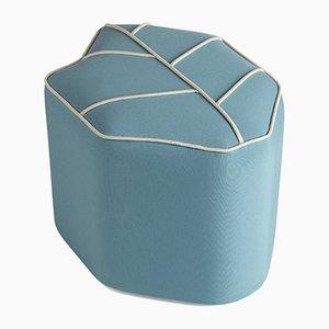 Puf de exterior azul en forma de hoja de Nicolette de Waart