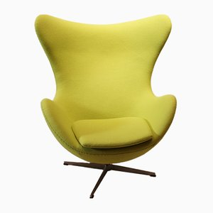 Egg chair nr. 3316 di Arne Jacobsen per Fritz Hansen, anni '80
