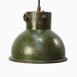 Lámpara colgante industrial vintage de metal verde, años 50