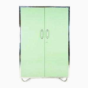 Armario Bauhaus en verde claro de Robert Slezak, años 30