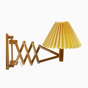 Lámpara tijera danesa de madera de Translandia, años 70