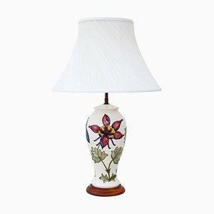 Lámpara de mesa vintage de cerámica con pantalla de Moorcroft