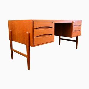 Dänischer Vintage Schreibtisch aus Teak von Møller, 1960er