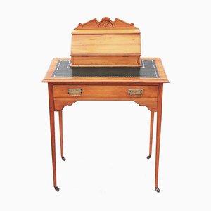 Antiker viktorianischer Schreibtisch aus Seidenholz mit Lederauflage