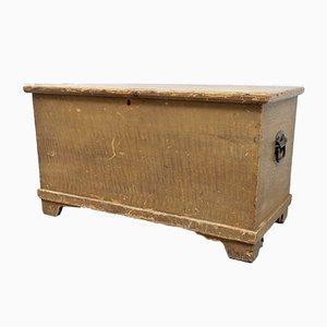Cassettiera antica in legno di pino dipinto