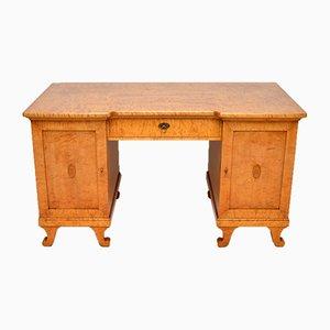 Großer antiker schwedischer Biedermeier Schreibtisch aus satinierter Birke, 1850er