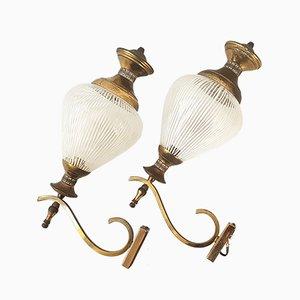Lampade da parete Mid-Century in ottone e vetro, anni '50, set di 2