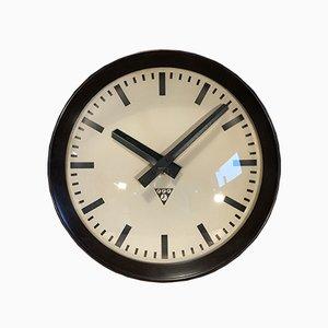 Horloge Murale d'Usine Industrielle en Bakélite de Pragotron, 1960s