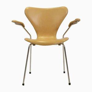 Butaca 3207 de cuero de Arne Jacobsen para Fritz Hansen, años 60