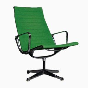 Silla modelo EA 116 en verde de Charles & Ray Eames para Herman Miller, años 50