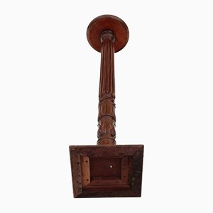 Pedestal victoriano antiguo de caoba con antorchas