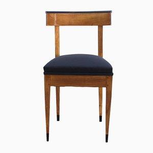 Biedermeier Stuhl aus massivem Kirschholz, 1820er