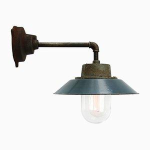 Blau emaillierte industrielle Vintage Wandlampe aus Gusseisen