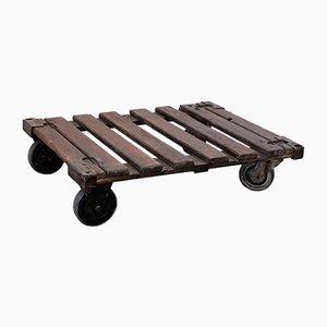 Petite Table Basse Industrielle Vintage sur Roulettes