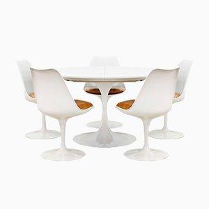 Tavolo da pranzo Tulip con sedie di Eero Saarinen per Knoll International, anni '60