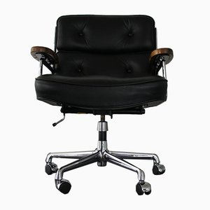ES 104 Sessel aus Nussholz & schwarzem Leder von Charles & Ray Eames für Vitra, 1980er