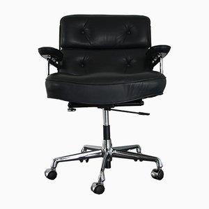 Sedia ES 104 in metallo cromato e pelle di Charles & Ray Eames per Vitra, anni '80