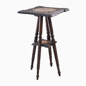Tavolino antico in legno intagliato di Walsh & Co., India, fine XIX secolo