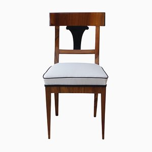 Deutscher Biedermeier Stuhl aus Nussfurnier, 1820er