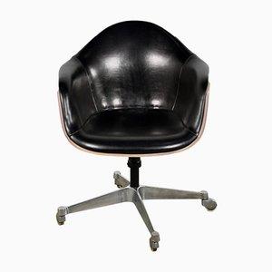 Sedia da ufficio in pelle di Charles & Ray Eames per Herman Miller, anni '70