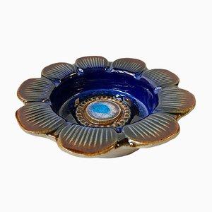 Blauer Vintage Keramikteller mit Blumen-Motiven von Elsi Bourelius für Jie Verkstad, 1970er