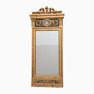 Espejo gustaviano antiguo de madera y dorado