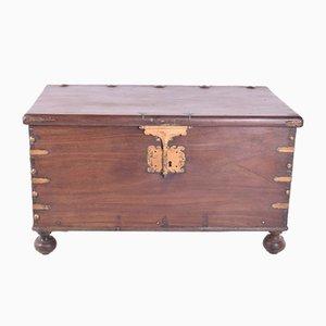 Antike Kiste aus Sucupiraholz