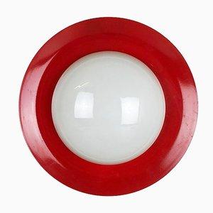 Lámpara de pared extra grande de metal rojo y vidrio opalino, años 60