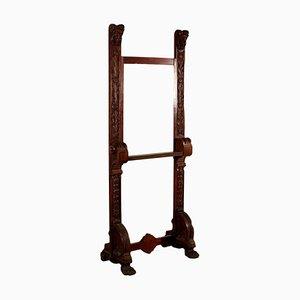 Antike Staffelei aus geschnitztem Holz
